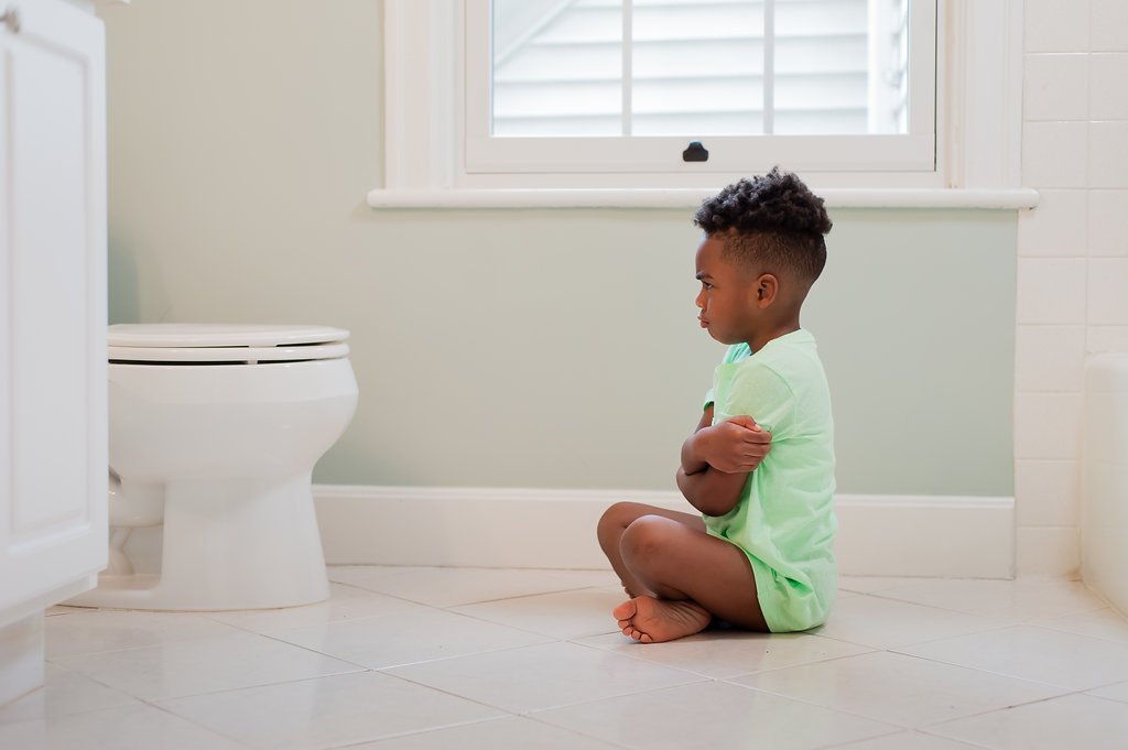 Potty training stubborn kids can be a frustrating experience for moms, dads and children. Whether you